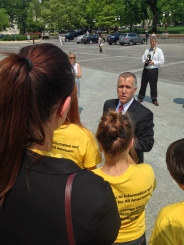 Senate Tillis Talking to Student Ambassadors