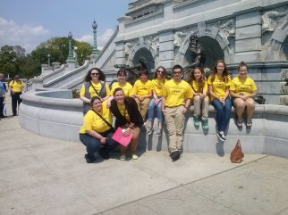 Student Ambassadors in front of Library of Congress